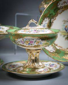 English Coalport Porcelain Dessert Service, circa 1850 40 Pieces