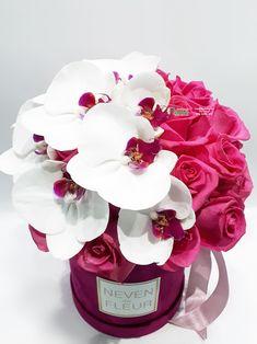 Flowerbox sa ciklama ružama i falenopsis orhidejama Flower Box Gift, Flower Boxes, My Flower, Beautiful Flower Arrangements, Floral Arrangements, Beautiful Roses, Beautiful Flowers, Cadeau Surprise, Bouquet Box