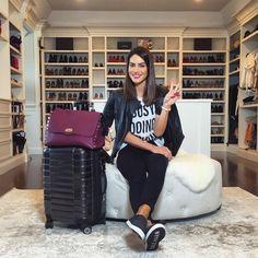 """Camila Coelho no Instagram: """"Ready to fly again!✈️ ------- Pronta para viajar de novo! ✈️ #letsgo (Mala e bolsa @lepostiche )"""""""