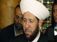 """مفتي الشيطان"" يتعرض للضرب على يد الجزائريين Baseball Hats, Beanie, Shopping, Fashion, Baseball Caps, Moda, La Mode, Fasion, Beanies"