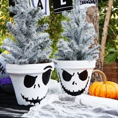 "Jack Skellington Flower Pot FOLLOW LINK TO SITE WHICH TAKES YOU TO THE DOWNLOAD FOR DESIGN.  * i could see this design applied to pumpkins and various other surfaces, even glassware using the appropriate paint.  This isn't very ""Nightmare"" movie-like (WHICH IS A GOOD THING).  With slight adjustments would not be Disney at allLINKS ON THIS PAGE WILL TAKE YOU TO ADDITIONAL PROJECTS (TAG: PRINTABLE; PROJECT/TUTORIAL)."