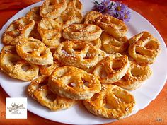Fincsi receptek: Szalalkális sós perec Onion Rings, Shrimp, Pizza, Meals, Cooking, Cake, Ethnic Recipes, Cook Books, Dios