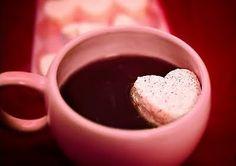 choco marshmallow in pink coffeecup