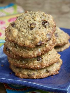Biscuits à l'avoine de Cape Cod - Melasse grandma Oatmeal Chocolate Chip Cookie Recipe, Chocolate Chip Cookies Ingredients, Healthy Oatmeal Cookies, Healthy Cookie Recipes, Oatmeal Cookie Recipes, Yummy Recipes, Biscuits Aux Raisins, Homemade Oatmeal, Cape Cod