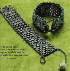 Bracelet of square beads