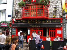 The King's Head Pub, Galway, Ireland. @Brianna Donnelly
