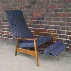 Sit back and relax its time to put your feet up  Available Saturday 10-3  618 mulberry rd se Canton Ohio  #milobaughman #milo  #recliner  #modernchair #vintage #vintagechair #midcentury #midcenturymodern #interiordesign #design #downtowncanton #cantonohio #ohio #clevelandohio #cleveland #akronohio