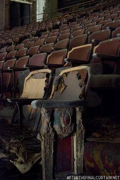 3 grandes cines abandonados en Nueva York. | Husmeando por la red
