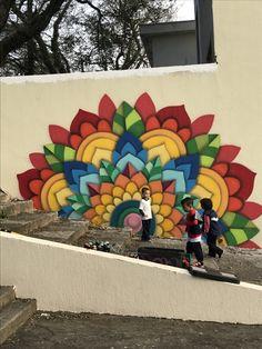 Diy Wall Painting, Mural Painting, Wall Art Designs, Design Art, Peacock Wall Art, Garden Mural, School Murals, Murals Street Art, Fence Art