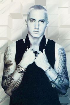 Eminem the one man that I believe equals up to my boyfriends sexiness!!