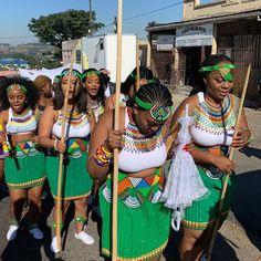 Zulu Traditional Attire, Zulu Traditional Wedding, South African Traditional Dresses, Traditional Styles, Traditional Decor, African Fashion Skirts, South African Fashion, African Fashion Designers, African Print Fashion