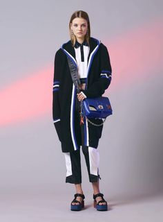 Versace Resort 2017 Collection Photos - Vogue ...that big long hooded cardigan looks fab...
