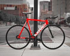 Via @pursuit_clan: Gym Racing Red . . Low// Bicycle Pursuit . . #LowBicycle #LowPursuit #PursuitClan #SingleSpeed #Keirin #TrackBike #Pista #Fixed #FixedBike #FixedGear #FixedGearBike #Fixie #FixieBike #Bike #BikePorn #Bicycle #BicyclePorn #Cycle...