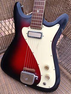 Vintage 1960s Kay Vanguard