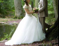 ... Brautkleid Spitze  Hochzeitskleid Prinzessin Sissi  Pinterest