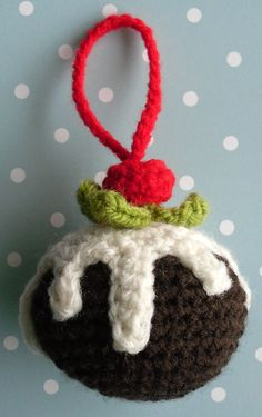 Crochet christmas pudding pattern, designed in English terms, really easy! photographic instructions as well as written ones