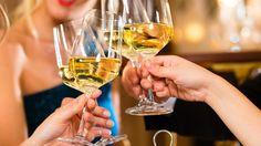 Viinistä on moneksi! Helppoja ja nopeita viinidrinkkejä.