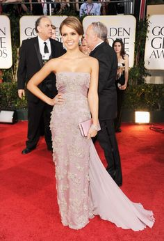 Jessica Alba looking stunning on the red carpet of the 2012 Golden Globes. She always looks beautiful!