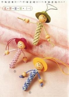 Macrame doll - picture onlyIf your creative hands are itching to make super easy and fast craft projects, then this list of easy crafts to make and sell with lots of DIY Tutorials will surely tickle your fancy. Crafts To Make, Easy Crafts, Crafts For Kids, Arts And Crafts, Paracord Projects, Macrame Projects, Macrame Art, Macrame Knots, Worry Dolls