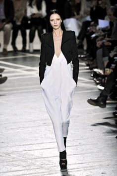 Mariacarla Boscono @ Givenchy S/S 2010, Paris
