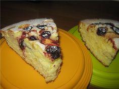 Пирог с консервированными и замороженными фруктами
