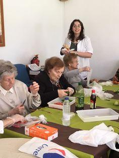 Roser #EducadoraSocial de BSP en Residenciacatite realizó Taller de Cocina haciendo Gaspacho