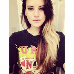 Hi im Juliet Simms I'm a singer of this band called Automatic Love Letter and im well a major dork so yea. Kinda shy but rarely