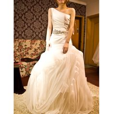 2012 Fall One Shoulder Organza bridal gown with Natural waist