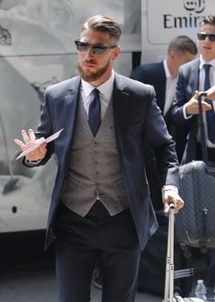 Manhattan Bespoke Custom Tailor: the upscale Suit Tailors in Hong Kong offers the versatility in fashion and style. We are the highly Recommended Tailors in Hong Kong. Mens Fashion Suits, Mens Suits, Fashion Menswear, Style Costume Homme, Mode Costume, Herren Outfit, Suit Vest, Sharp Dressed Man, Gentleman Style