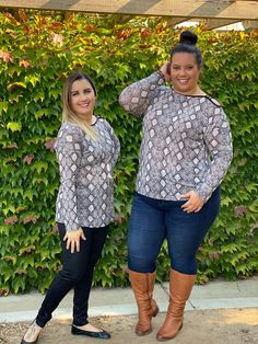 Onesie Pattern, Off The Shoulder, Shoulder Strap, Plus Size Fall Outfit, Voluptuous Women, Curvy Outfits, Pull On Pants, Curvy Fashion, Size Model