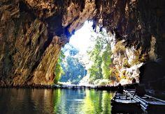 Tourism Tham Lot Cave