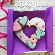 Valentine Deserts, Valentines Sweets, Valentines Day Cookies, Heart Cookies, Sugar Cookies, Fruit Buffet, Brownie Cookies, Cookie Designs, Love Cake