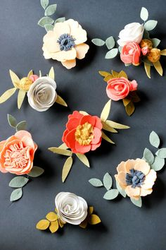 These felt flower crown and hair clips are so cute!