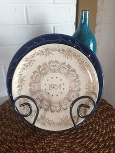 Vintage 1964 Calendar Plate by WillowsVintageHome on Etsy