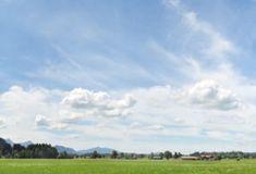 Bayern: Das steht im Koalitionsvertrag: CSU und Freie Wähler haben sich auf einen Koalitionsvertag verständigt; auch in Sachen Agrarpolitik. Clouds, Mountains, Nature, Travel, Outdoor, Bavaria, Outdoors, Viajes, Traveling