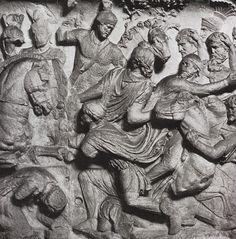 Column of Trajan- Triumphant conquering of the Dacians. Greek History, Roman History, Minoan, Sumerian, History Books, Art History, Roman Sculpture, Roman Architecture, Roman Art