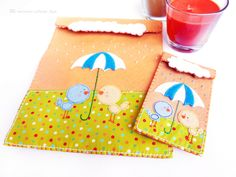 """funda Ipad y movil a juego """"Bajo la lluvia"""" Mmel Diy Case, Gift Wrapping, Cases, Gifts, Rain, Flat, Games, Needlework, Projects"""