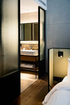 The Warehouse Hotel in Singapore: a beautiful boutique hotel with an industrial-chic atmosphere