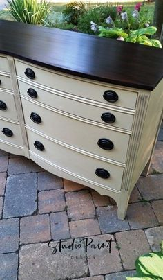 Eight Drawer Painted Malcolm Dresser Annie Sloan Chalk Paint Old White General Finishes Java Gel Stain #paintedfurniture #painteddresser #paintedbuffet #DIY #Ideas #distressed