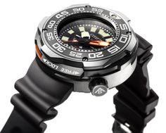 Citizen launches probably the most durable dive watch in their collection. Promaster Eco-Drive Professional Diver 1000m. Automatic helium release valve, big readable hour markers and more...