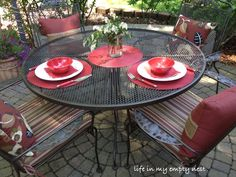 Superior Painting A Wrought Iron Patio Table And Chairs With Two Spray Cans   Primer  And Rustoleum