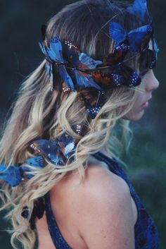 please note: the current made to order time frame for this item is 2 weeks ☾☆☽ A beautiful collection of feather butterflies in deep blues with tiny white spots. Complete with three hair clips. The pe