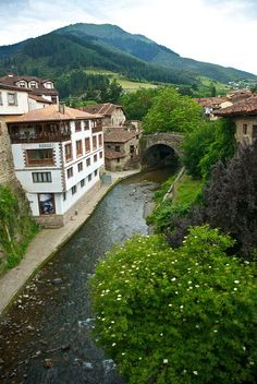 Potes #Cantabria #Spain #Travel                                                                                                                                                      Más