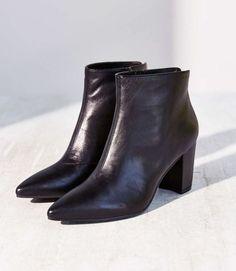 Women's VAGABOND Saida Black Leather Heeled Bootie  6 - 6.5 NWOB Orig $169.95 #VAGABOND #AnkleBootsBooties