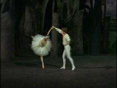 Tchaikowsky - Swan Lake, Act 4 - Pas de deux Rudolf Nureyev - Margot Fonteyn 1966