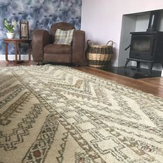 Antique Berber Rug from The Handmade Rug Company - Moroccan rugs made in the Atlas Mountains - Living room rug - Living room inspiration. Morrocan Rug, Moroccan, Minimalist Pattern, Rug Company, Mountain Living, Atlas Mountains, Berber Rug, Abstract Lines, Living Room Inspiration