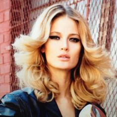 Gorgeous 70's hairstyle #hair #70s
