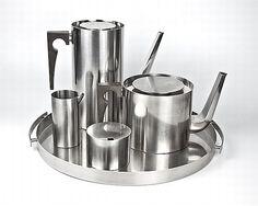Arne Jacobsen Cylinda tea service | Stelton
