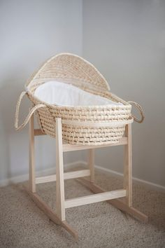 Inexpensive basket and rocking basket stand The perfect baby bassinet rocking stand. CB and J: final countdown Moses basket, with rocking stand. Little Green Notebook: Baby Bassinets Moses Basket Stand, Little Green Notebook, Baby Bassinet, Nursery Inspiration, Nursery Ideas, Project Nursery, Baby Furniture