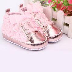 zapatillas flores rosas $140